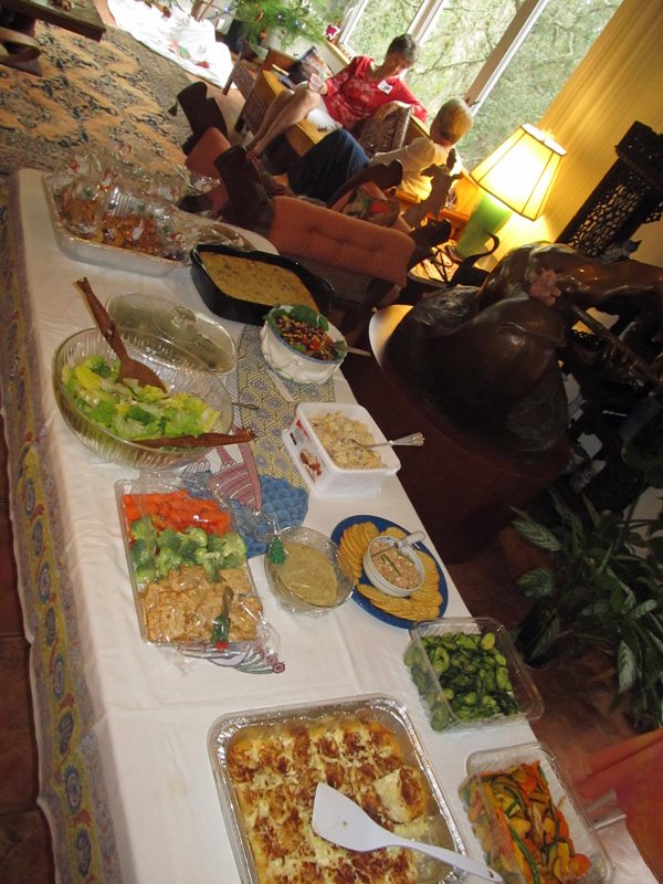 !holiday-part-food-table